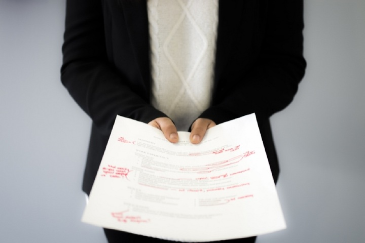 5 insignificant things you need to remove from your resume ASAP